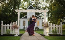 Niagara Falls Wedding World ~ Two elegant chapels in the Falls ~ Wedding Officiants for any location ~ Click here to visit our website!